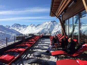 Taras widokowy restauracji Alpenhaus - Mountain VIP Club, fot. Paweł Wroński
