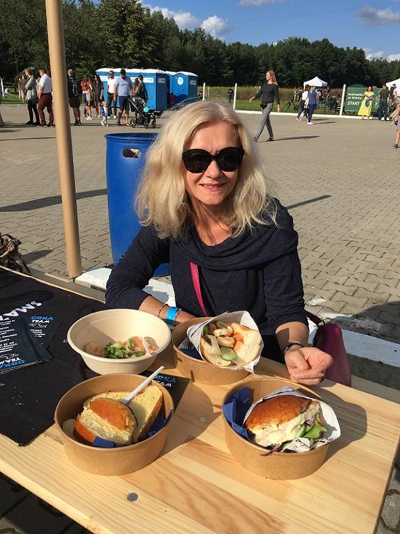 I czas na przekąskę - zdecydowaliśmy się na ofertę ORKI - sklepu i smażalni ryb z Pruszkowa, fot. Paweł Wroński