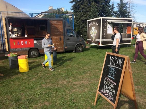 Street Food Festival, czyli Foodtrucki przy Podskarbińskiej, fot. Paweł Wroński