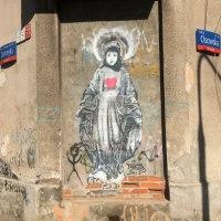 Mural z Madonną przy Osowskiej na Grochowie